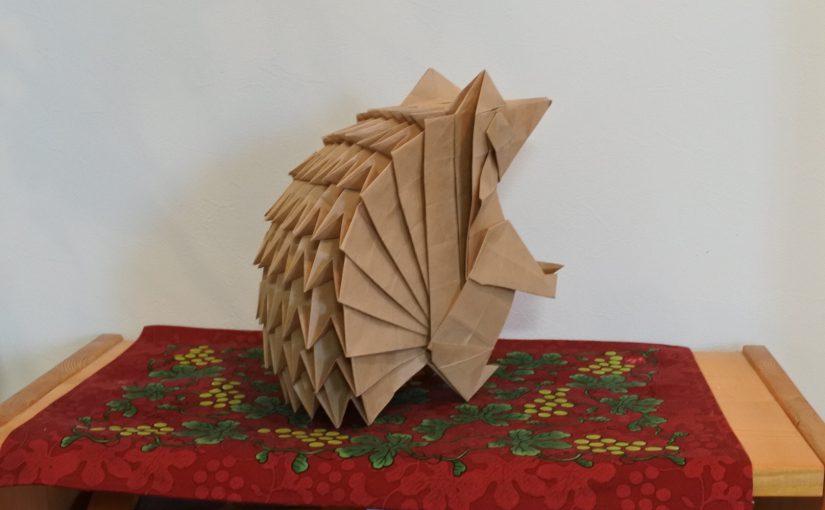 折り紙のハリネズミ